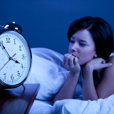 Khó ngủ, ngủ không sâu giấc là biểu hiện yếu sinh lý ở nữ giới