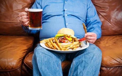 thói quen xấu gây yếu sinh lý nam xuất phát từ chế độ ăn uống không cân bằng