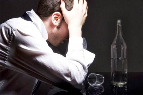 Nghiện rượu bia thường gây ra yếu sinh lý thể Thấp nhiệt