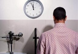 Chứng tiểu đêm nhiều - coi chừng mắc bệnh suy thận