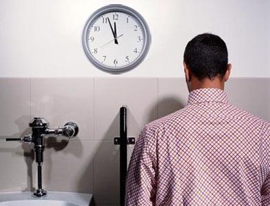Chứng tiểu đêm nhiều - triệu chứng của bệnh suy thận