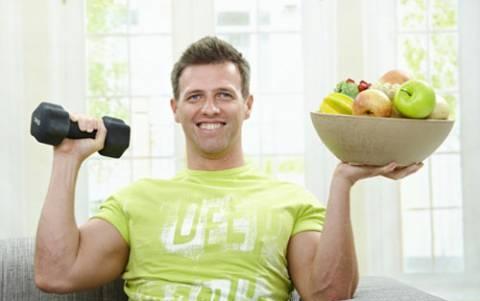 Duy trì chế độ dinh dưỡng và tập luyện hợp lý giúp nam giới có thể tự chữa khỏi bệnh rối loạn cương dương