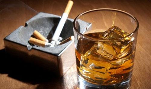 Bị liệt dương nên kiêng rượu bia và các chất kích thích