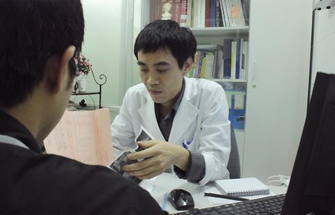 Áp dụng liệu pháp tâm lý để điều trị rối loạn cương dương do tâm lý