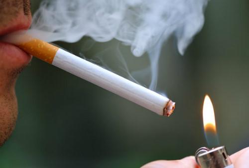 Lạm dụng thuốc lá là nguyên nhân khiến bệnh mãn dục nam đến sớm