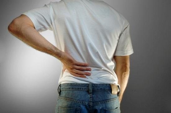 Tức 2 bên hố lưng, chán ăn, mệt mỏi,... là triệu chứng suy thận cấp 1