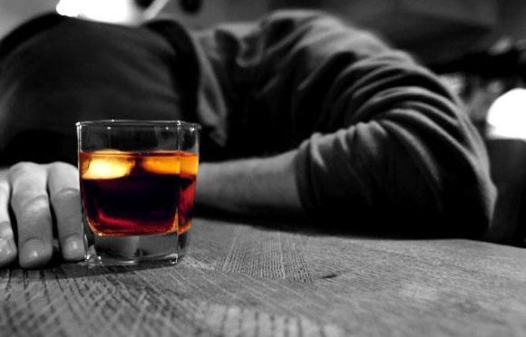 Rượu bia gây yếu sinh lý nam và dị dạng tinh trùng