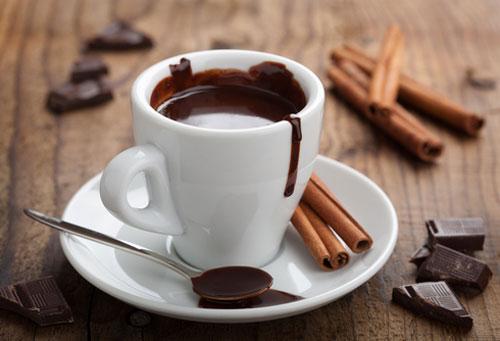 Socola đen nóng là thức uống tăng cường sinh lý giúp nam giới yêu cuồng nhiệt