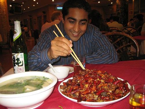 Ăn nhiều đồ cay nóng không tốt cho chức năng sinh sản của nam giới