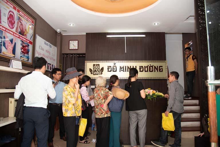 Nhà thuốc Đỗ Minh Đường là nơi lương y Đỗ Minh Tuấn đang làm việc và điều hành