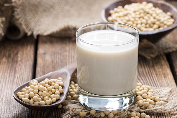 đàn ông uống sữa đậu nành có tốt không