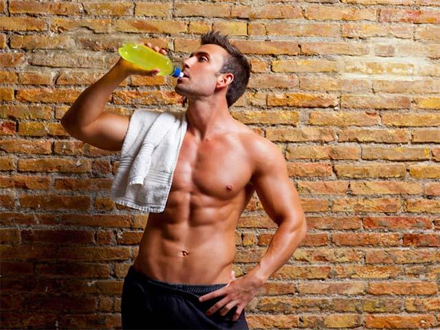 uống nước đủ khi tập gym