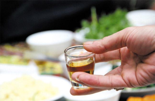 rượu thuốc hải sâm tốt cho sinh lý